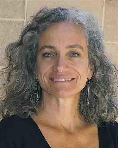 Karen Bluth headshot